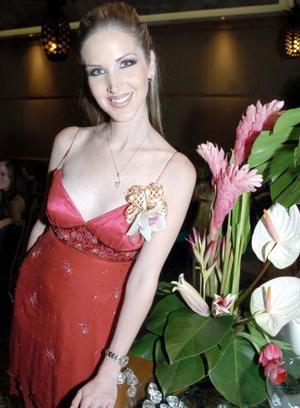 <b>24 de septiembre 2005</b><p>  María Fernanda Gutiérrez Guerra, en su despedida de soltera realizada en días pasados.