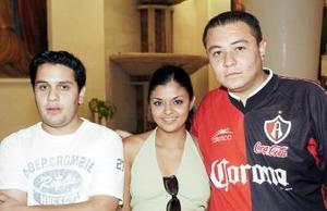 Dayan Alejandro Molina, Fanny Tapia y Emmanuel Chávez.
