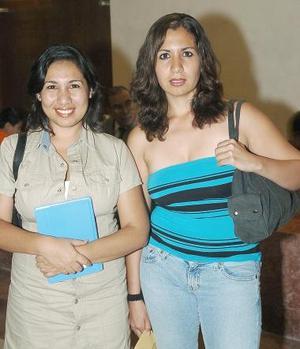<b>25 de septiembre 2005</b><p> Verónica Ramírez y Adela Murillo.