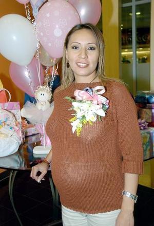 Jéssica Guerrero de Medina espera el nacimiento de su primer bebé.