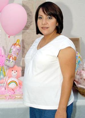 <b>25 de septiembre</b><p>  Sandra García de Estrada recibió felicitaciones por el próximo nacimiento de su bebé.