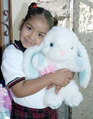 Osmara Abeline Cázares Martínez celebró su sexto cumpleaños, con una alegre fiesta que le organizaron sus papás, Omar Cázares Huerta e Isabel de Cázares