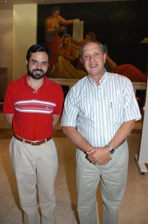Antonio Méndez Vigatá y Javier Garza