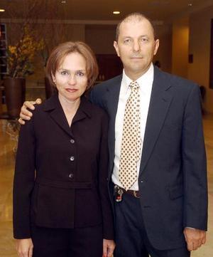 Carlos Villarreal y Josefina de Villarreal