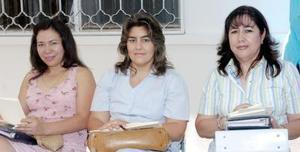 Irene de Bazán, Ana Laura Acuña de Olivera y Elva de Chávez.