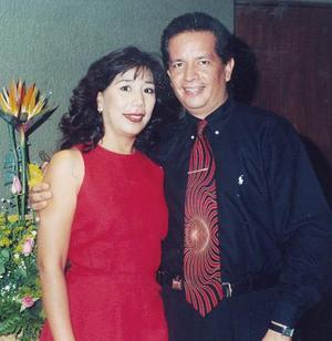 Isolda Rentería Reyes y Enrique Guerrero Banderas, en reciente acontecimiento social.