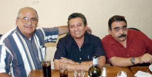 <b>25 de septiembre 2005</b><p> Carlos Sada, Vicente Rodríguez y Héctor Chávez