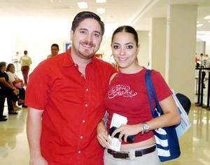 <B>26 de septiembre 2005</b><p> Pedro e Ileana Aguilar viajaron con destino a Cancún, Quintana Roo.