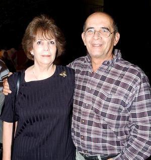 Margarita Herrera y Rodolfo González, ex alumno de la Pereyra.