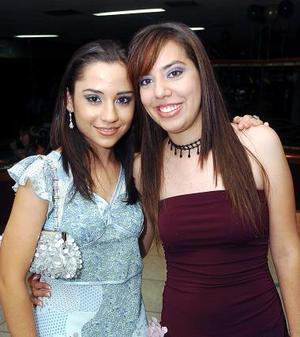 <b>26 de septiembre 2005</b><p> Nancy de la Garza y Luisa Pérez.