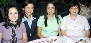 Claudia Rosales de García, Rocío Martínez de Vargas, Lety Rivera de García y Angelina Valles de Río.
