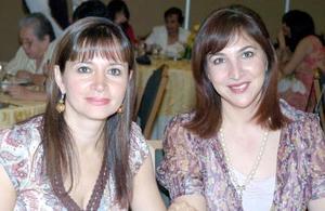 Anabel de González y Yolanda de Trasfí.