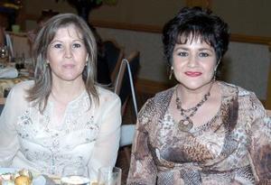 Martha de Ganem y Bertha de González.