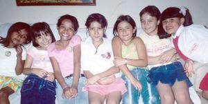 <b>29 de septiembre 2005</b><p> Mary Carmen García Hernández, festejó su cumpleaños con alegre convivio, acompañada por sus amiguitas Mónica, Sarita, Itzel, Alex, Alejandra y Yazmín.