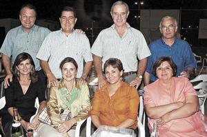 Julio González, Pilar Moncholi, Jesús Haro, Mariano Aparicio, Marcelo Bremen, Ana Cristina González, Federico Sáenz y Cecilia González.