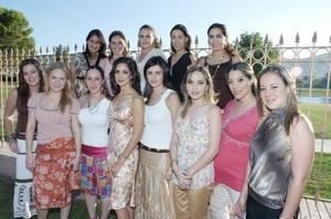 Laura Pérez Sánchez con sus amigas, Bárbara, Mariana, Brenda, Sofía, Alejandra, Paola, Mónica, Bárbara Berlanga, Mónica, Ale, Belinda y Adriana.