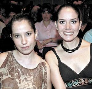 Alejandra Aguilar y Claudia Saldaña.
