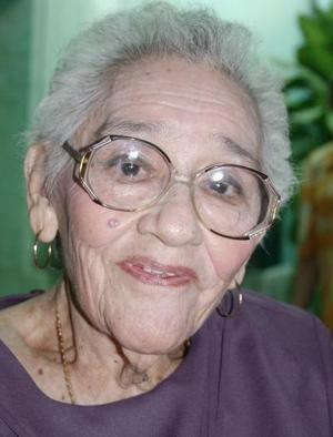 <b>30 de septiembre 2005</b><p> Señora Sofía García de Jáuregui festejó 90 años de vida.
