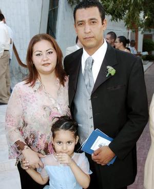 Edy Fernández, Julia Medrano y Sergio Medrano.