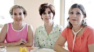 Odila Villarreal de Vargas, Cecy de Sánchez y Blanca de Garza.