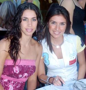 Jéssica Yacamán y Yasmín Etemad-Amini.