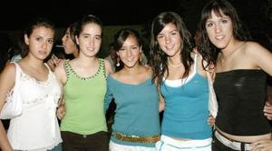 <b>01 de octubre de 2005</b><p>  Ximena Zepeda, Bárbara garcía, Ana Araujo, Nuria González y Zaira Aguiñaga.