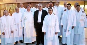 Acompañado de un grupo de amigos sacerdotes, el Pbro. Jesús Alejandro Terrones García, celebró en días pasados con una Eucaristía sus bodas de Plata Sacerdotales.