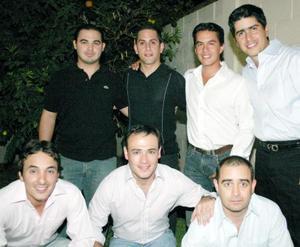 Omar Cruz, Pedro Fernández, Alejandro Herrera, Marcelo Obeso, Chuy Villarreal, Marco Zamarripa y Jorge del Valle.