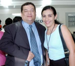 Sergio Sotero viajó al Distrito Federal y fue despedido por Renata Chapa.