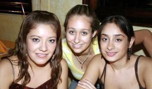 Yeska Garza, Liliana López y Victoria Mata.