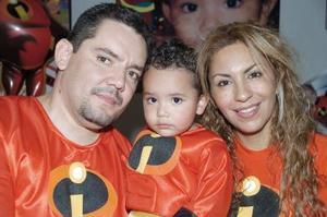 Derek Arturo  Torres Tapia festejó sus dos años de vida, con una fiesta que le organizaron sus papás.