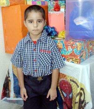 Luis Roberto Viveres Muñoz, celebró su cumpleaños número seis.