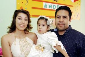 Misael Donato y Cristina García festejaron a su hijita Andrea Donato García, con una merienda con motivo de su cumpleaños.
