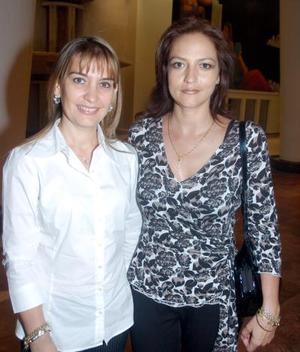 Susana de González y Marlene de Villarreal.