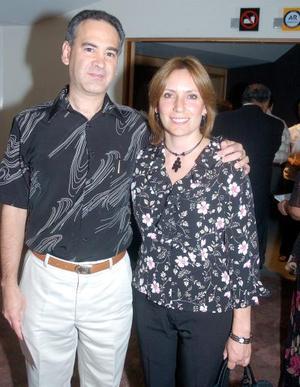 Miguel Ángel Barocio y Rocío de Barocio.