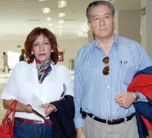 Guadalupe García y Ernesto Godínez vivjaron con destino al DF.