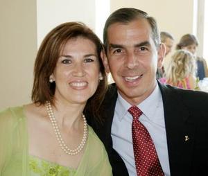 Darío Jiménez y Pily de Jiménez.
