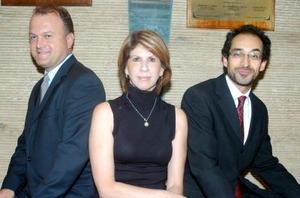 Federico Sáenz, Marisa de Serna y Bruno Bichir fueron los encargados de presentar el libro del Teatro Isauro Martínez.
