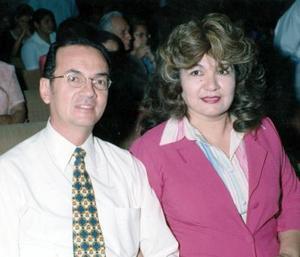 Hugo de López y Sylvia de López.