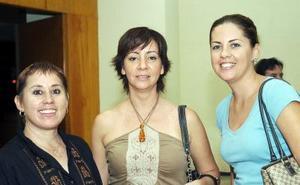 Ivonne Villarreal, Rosy del Toro y Adriana Blázquez.