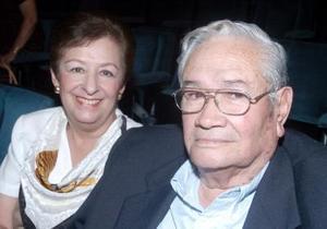 Antonio Fernández y Alicia de Fernández
