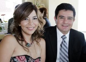 Mayra Rodríguez y José Lee Chibli