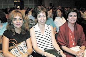 <b>04 de octubre de 2005</b><p> Myriam Pérez, Gilda Urbina y Kathleen Rodríguez.