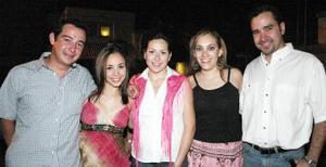 Alejandro Flores, Sofía Negrete, Cristy Moreno, Cristy Bañuelos, Mauricio Nevárez.