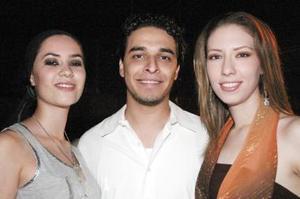 Alicia Ganem, Alejandro Martínez y Sofía González.