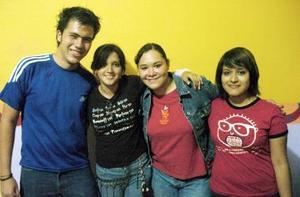 Julio Núñez, Dalia García, Andrea Solís y Yasmín García.