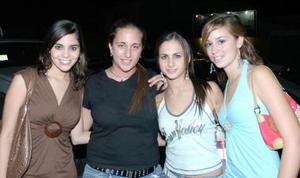 Sory Garza, Nataly Zarzar, Diana Zarzar y María René Obeso.