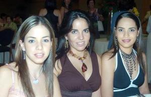 Ana Lorena García, Brenda y Esther Garza.