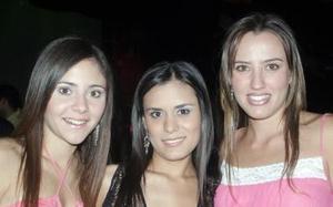 Bety Fernández, Sofía Sarmiento y Pamela Grageda.