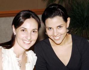 Mariana de Portilla y Mónica de Villalobos.